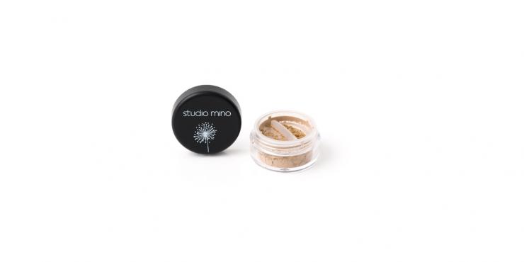 Mineral loose matte eyeshadow caramel