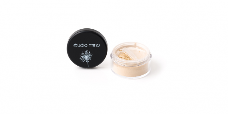 Mineral priming/setting powder transparant